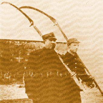 Gdyńscy kosynierzy ruszają do boju.