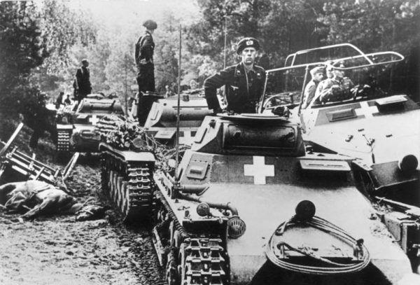 Niemieccy pancerniacy... którzy wcale nie chcieli walczyć (fot. Bundesarchiv, Bild 146-1976-071-36, lic. CC-BY-SA 3.0).
