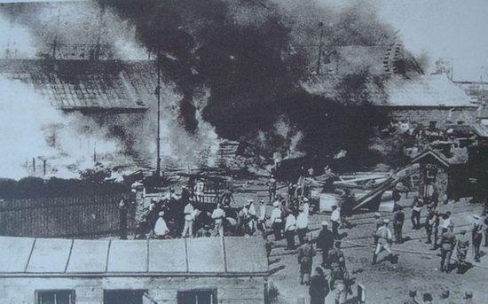 """Po przejęcie przez buntowników kontroli nad okrętem, """"Potiomkin"""" popłynął do powstańczej Odessy."""