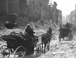 Warschau, Juden (?) bei Aufräumungsarbeiten