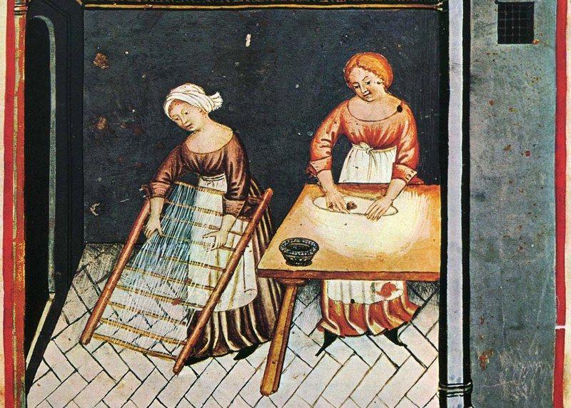 """Przed ucztą weselną trzeba było przygotować sporo makaronu (XV-wieczna miniatura z podręcznika """"Tacuinum Sanitatis"""")."""