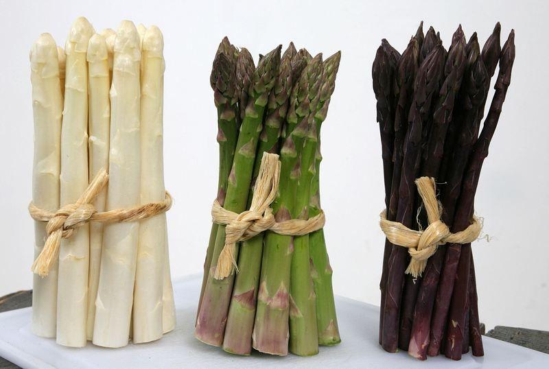 Szparagi we francuskiej kuchni to też dzieło Katarzyny (fot. Aceera BV, CC BY-SA 3.0).