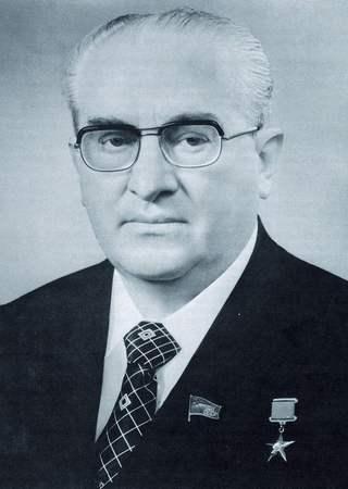 Jurij Andropow. czyli poprzednik Czernienki na stanowisku sekretarza generalnego KC KPZR (źródło: wikimedia commons, domena publiczna).