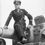 Michael Wittmann na swoim czołgu...