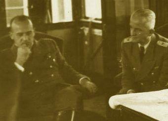 Generalny gubernator Hans Frank w swojej salonce.