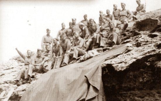 Żołnierze Samodzielnej Brygady Strzelców Karpackich (wszystkie fotografie pochodzą z albumu: Z. Wawer, Tobruk 1941, Bellona 2011)