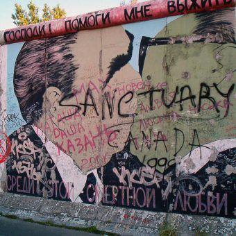 Mur Berliński (fot. Victorgrigas, domena publiczna).
