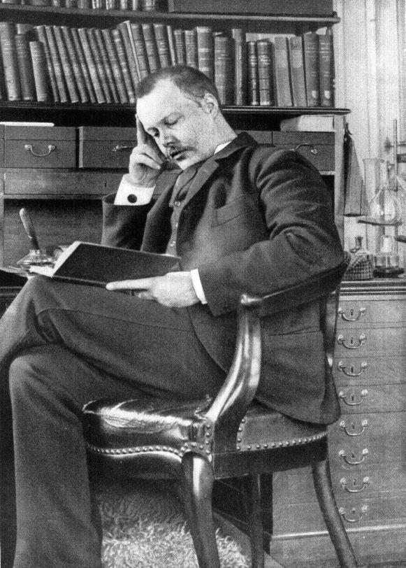 Houston Stewart Chamberlain, to z jego teorii czerpał garściami Alfred Rosenberg.
