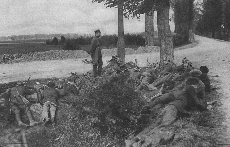 Żołnierze wierni Józefowi Piłsudskiemu w okolicach Wilanowa (źródło: domena publiczna).