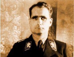 Rudolf Hess (fot. Bundesarchiv, Bild 183-1987-0313-507 / CC-BY-SA 3.0).