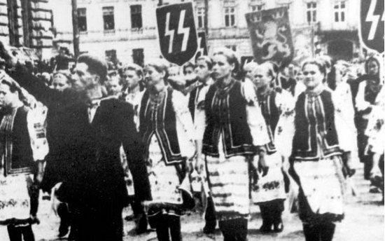 """Tak właśnie wyglądali """"aryjscy"""" Ukraińcy ze Stanisławowa."""