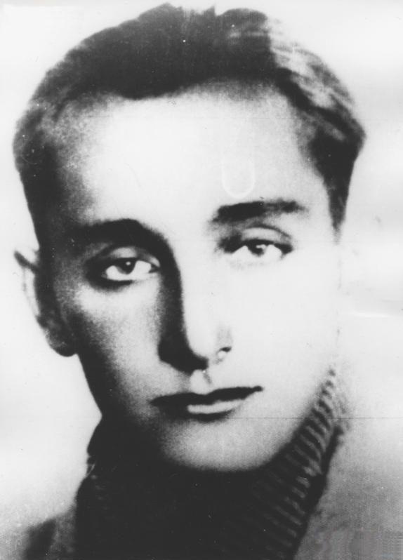 Tak wyglądał Waldemar Szwiec kilka lat przed wojną... jeszcze nie wiedział, jak bohaterskie działania przypadną mu w udziale (źródło: domena publiczna).