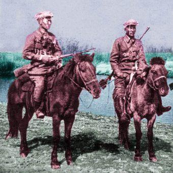 Mongolscy kawalerzyści. To właśnie chęć wypasu wierzchowców, których używali do walki sprowokowała starcie, które wpłynęło na losy II wojny światowej (fot. domena publiczna).