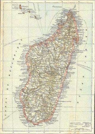 O oto i sam Madagaskar na mapie z okresu, gdy był on francuską kolonią.