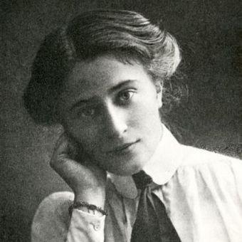 Kazimiera Iłłakowiczówna, była nie tylko utalentowaną poetką, ale również świetnym menadżerem Józefa Piłsudskiego.