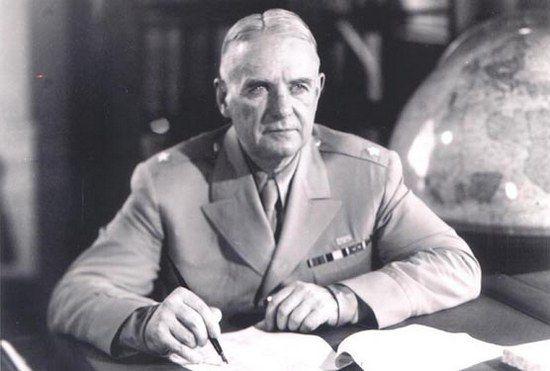 """Szef Biura Służb Specjalnych, generał William J. Donovan, wiązał wielkie nadzieje z operacją """"Iron Cross"""". Liczył, że zakończy się on spektakularnym sukcesem."""