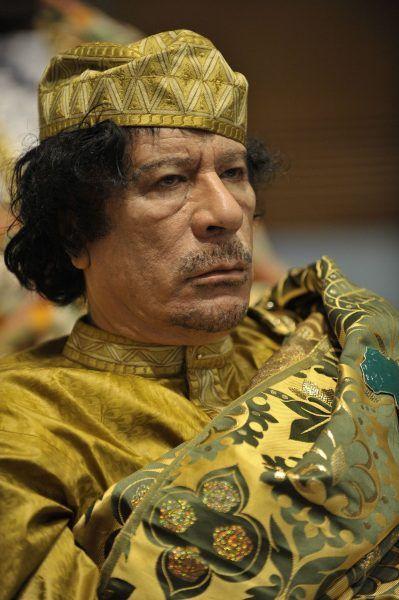 Muammar Kaddafi u szczytu swej władzy. Zdjęcie wykonane w lutym 2009 r. (źródło: domena publiczna).