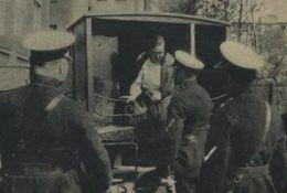 Osławiona zabójczyni Krysikowka, (anty)bohaterka jednego z artykułów.