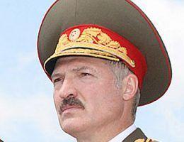 Aleksander Łukaszenka miłość do mundurów łączy z całkowitą pogardą dla demokracji (źródło: www.kremlin.ru, CC ASA 3.0).