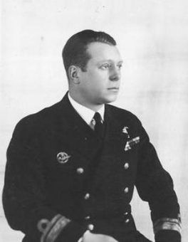 Dla Morskiego Dywizjonu Lotniczego wojna zaczęła się bardzo źle. Już pierwszego walk zginął jego dowódca kmdr por. Edward Szystowski.