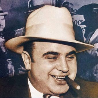 Al Capone przeżył. Chyba tylko cudem.
