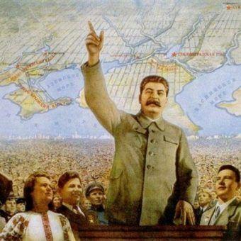 Dając Polakom szeroką autonomię Stalin nie robił tego z dobroci serca. Było to zagranie czysto propagandowe.