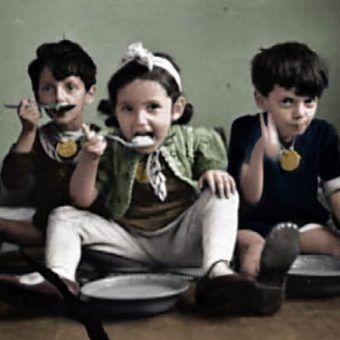Dzieci z łódzkiego getta (koloryzacja: Rafał Kuzak).