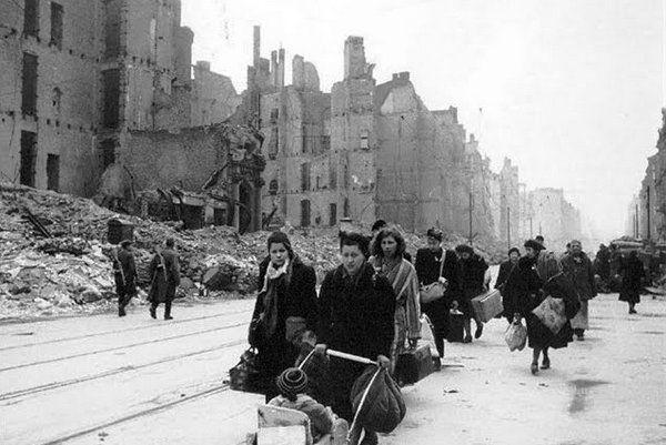Szacuje się, że w samym tylko Berlinie czerwonoarmiści zgwałcili nawet 130 tysięcy kobiet. Zaś na okupowanych przez nich terenach mogło to być około dwóch milionów Niemek.