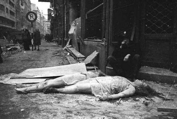 Wiele zgwałconych kobiet było później mordowanych przez czerwonoarmistów.