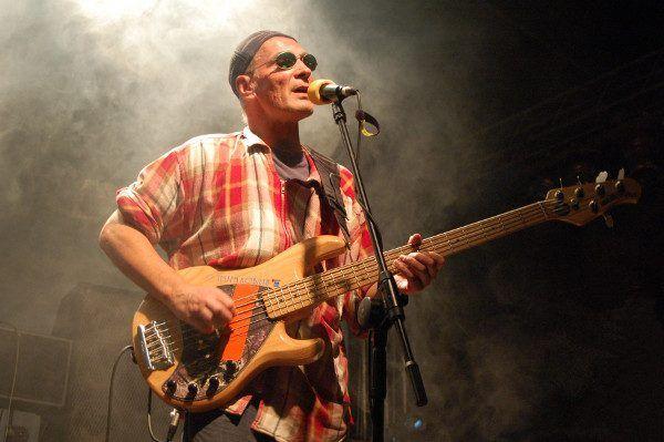Czy premier i kandydat na prezydenta powinien pojawiać się na koncertach rockowych muzyków takich jak Lech Janerka? (fot. Eloy.wikia, CC BY-SA 3.0)