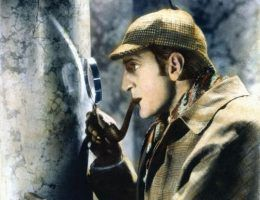 "Sherlock Holmes na tropie. Kadr z filmu ""Sherlock Holmes i tajna broń""."