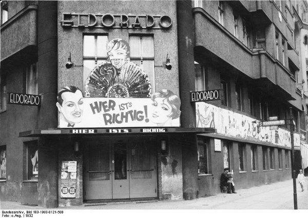 W międzywojniu Berlin uchodził za gejowską stolicę Europy. Na zdjęciu gejowski klub Eldorado (fot. Bundesarchiv, Bild 183-1983-0121-500 / CC-BY-SA).