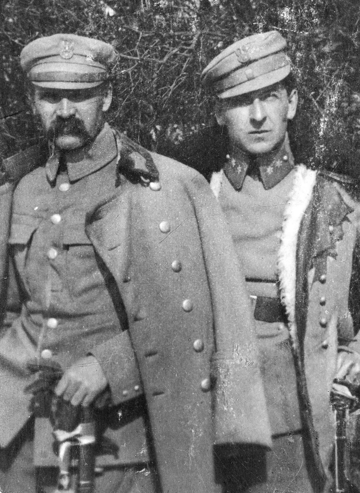 Internowanie w lipcu 1917 r. było najlepszym co mogło się przydarzyć Józefowi Piłsudskiemu. Na zdjęciu Piłsudski i jego adiutant Bolesław Wieniawa-Długoszowski.