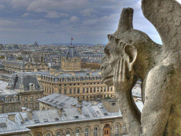 Ten gargulec do dziś martwi się niemieckimi planami wobec Paryża (fot. JAc 82, CC BY 2.0)