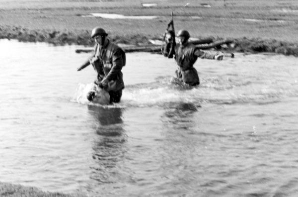 Dzięki zróżnicowanemu szkoleniu żołnierze Samodzielnej Brygady Spadochronowej mieli poradzić sobie w każdych warunkach.