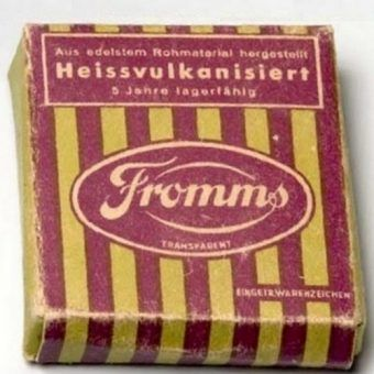 "Opakowanie prezerwatyw Fromms. Zdjęcie pochodzi książki Götza Aly'ego i Michaela Sontheimer, Frommsa. ""How Julius Fromm's Condom Empire Fell to the Nazis"", Other Press 2009."