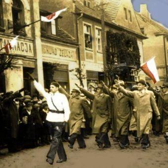 Trzeciomajowy pochód patriotyczny (fot. domena publiczna).