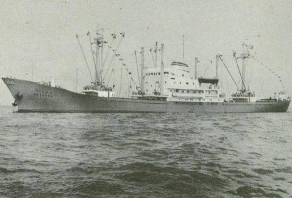 MV Netanya, jeden ze statków zapewniających wsparcie kutrom w czasie ich ucieczki z Francji (fot. Avi Brillant, CC BY-SA 4.0).