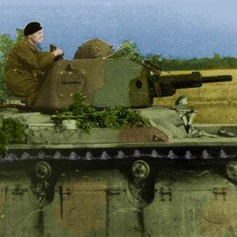 Renault R-40 z 10. Brygady Kawalerii Pancernej. Czołgi te trafiły do polskiej jednostki w większej ilości już po tym jak Niemcy zaatakowali Francję (źródło: domena publiczna; koloryzacja RK)..