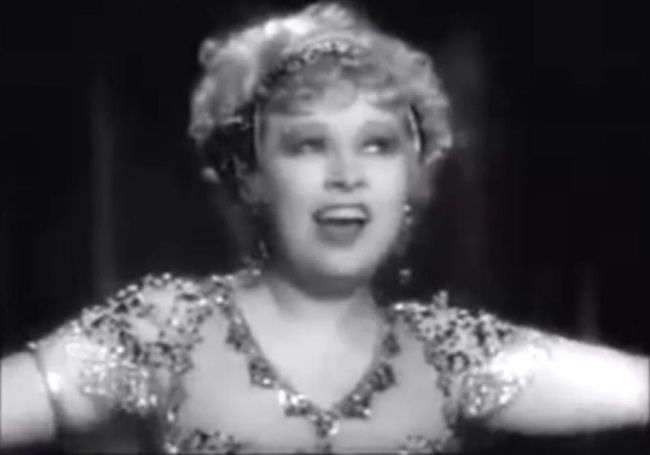 Naczelna skandalistka starego Hollywood. Mae West.