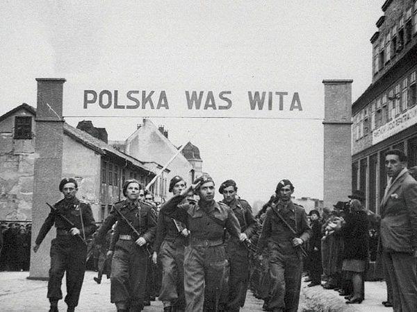 """(fot. z pracy """"Interakcje. Leksykon komunikowania polsko-niemieckiego"""")."""