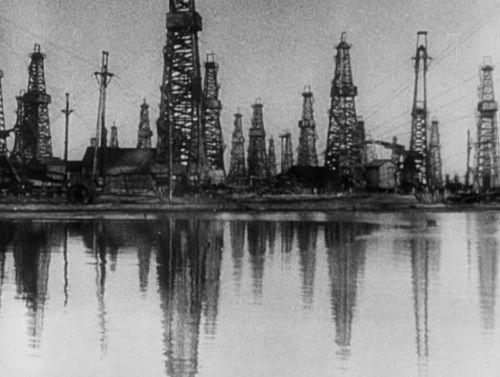 A w tym wszystkim chodziło rzecz jasna o ropę... Kadr z niemieckiej kroniki filmowej (fot. domena publiczna).