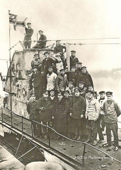 Jeszcze jedno zdjęcie załogi U-53 (źródło: domena publiczna).