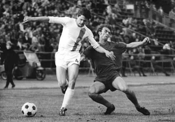 Lutz Eigendorf był jednym z największych talentów w historii enerdowskiej piłki. Za ucieczkę do RFN zapłacił najwyższą cenę (fot. Thomas Lehmann, Bundesarchiv, Bild 183-P00521-0033 / CC-BY-SA).
