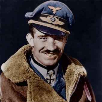 Adolf Galland zdecydowanie nie miał szczęścia do Polaków (źródło: domena publiczna).