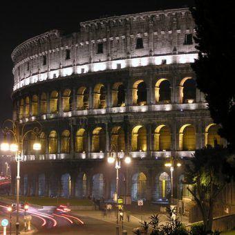 Zobaczyć Koloseum w pełni świetności… (fot. Roberto Larcher, CC BY-SA 3.0).