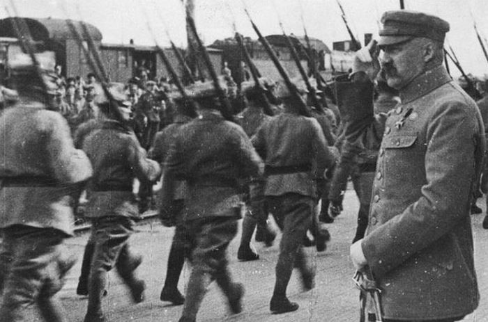 Józef Piłsudski w początkach 1920 roku miał już wyrobione zdanie o potencjale Armii Czerwonej. Czy aby jednak nie zlekceważył przeciwnika? (źródło: domena publiczna).