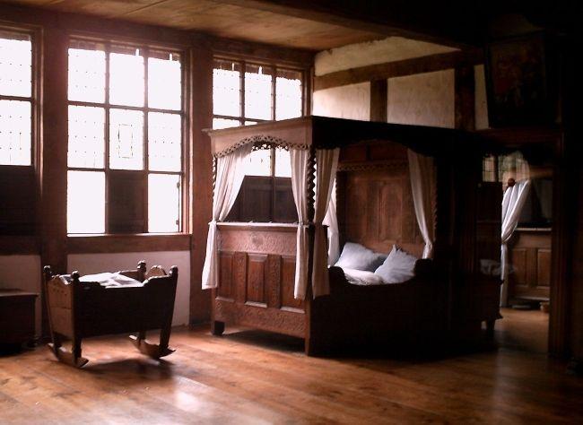 Lepiej, aby ta sypialnia pozostała pusta (fot. R-E-AL, lic. CC BY-SA 3.0).