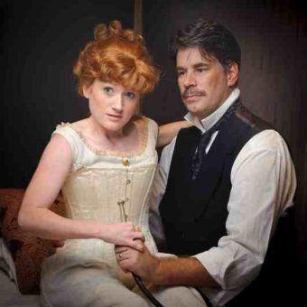 """Nie tak prędko z tym seksem... Na zdjęciu Katherine McClain i Shad Willingham w spektaklu """"In the Next Room or the Vibrator Play""""."""