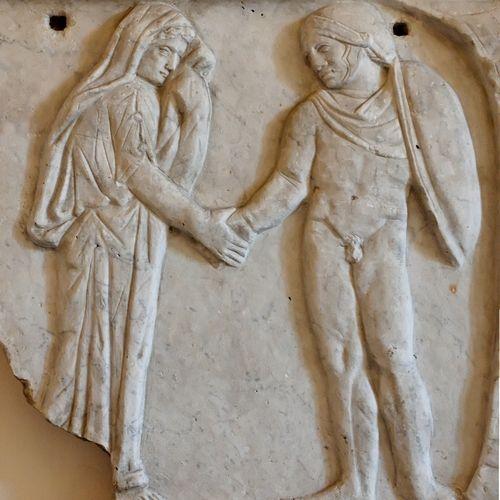 Czy tak mogła wyglądać obozowa miłość? Fragment rzymskiego sarkofagu, przedstawiający Jasona i Medeę (źródło: domena publiczna).